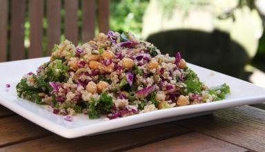 Quinoa & Chickpea salad small